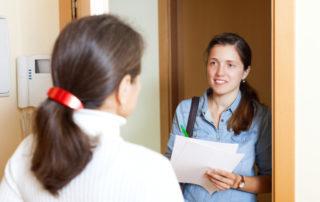 פגישה עם עובדת סוציאלית לפני גירושין