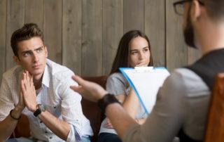 זוג בגישור גירושין