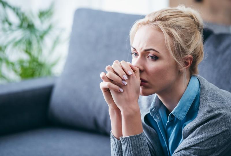 אישה שרוצה להתגרש אך איננה יכולה