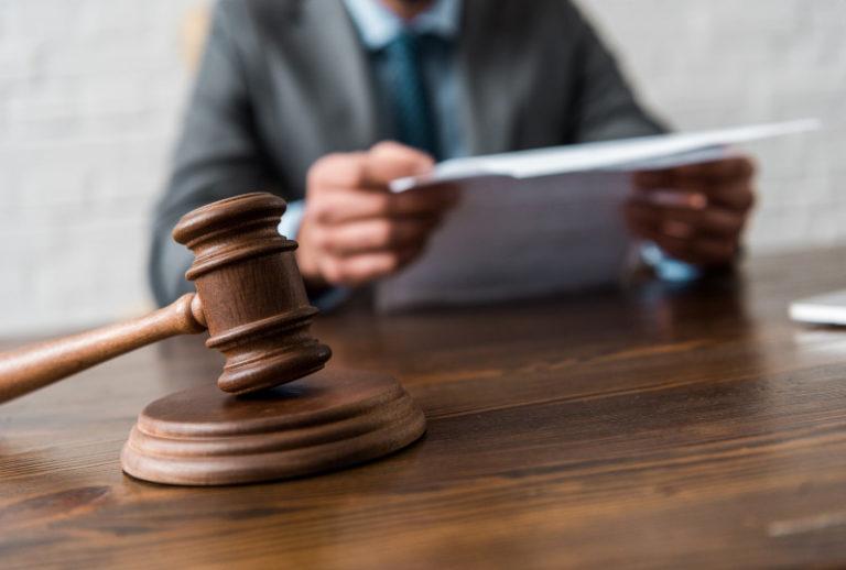 עתירה לבית המשפט לבטל הסכם גירושין
